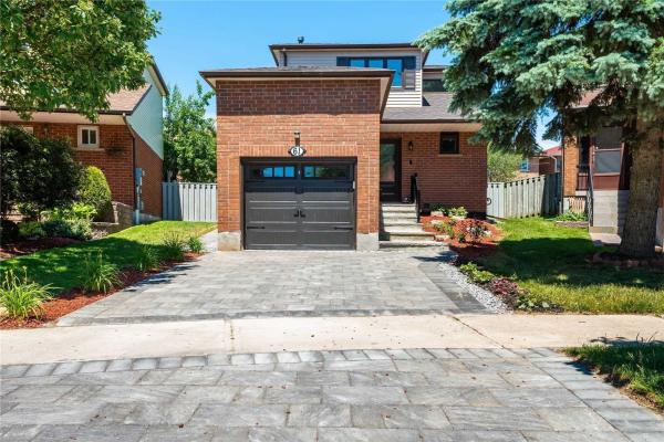 61 Brimstone Cres, Toronto