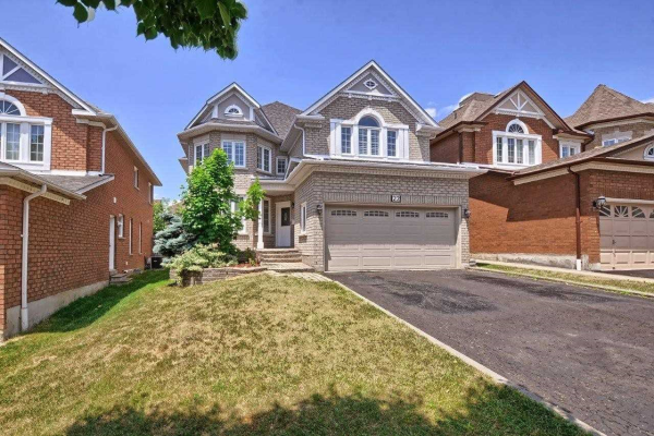 22 Mortimer Cres, Ajax