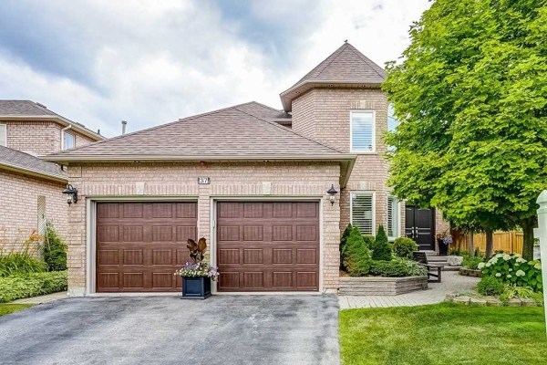 37 Braebrook Dr, Whitby