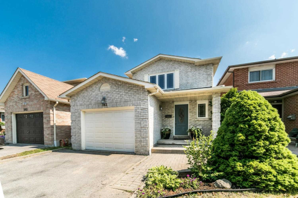 142 Maberley Cres
