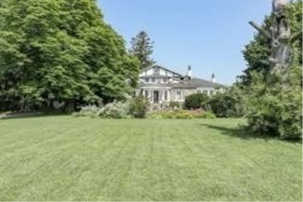 456 Kingston Rd W, Ajax