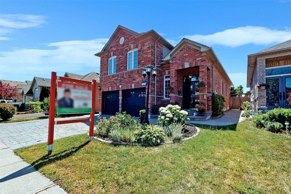 113 Fencerow Dr, Whitby