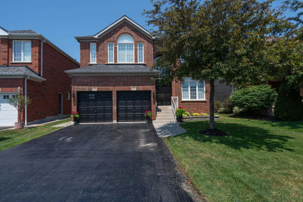 8 Preservation Pl, Whitby
