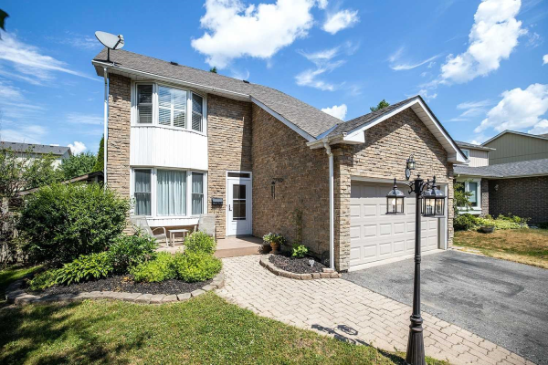 16 Kirby Cres, Whitby