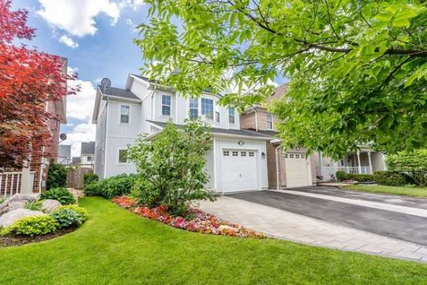 72 Wessex Dr, Whitby