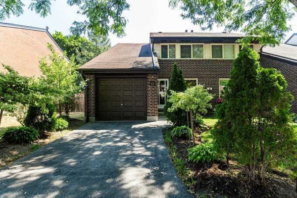 155 Glovers Rd, Oshawa