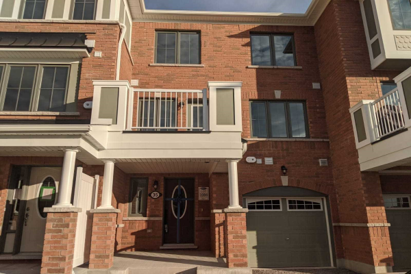 35 Bluegill Cres, Whitby
