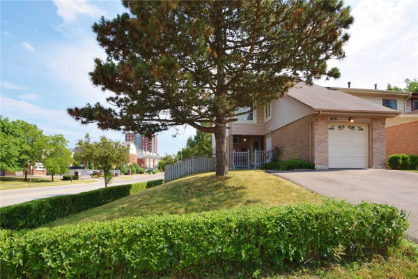 1679 Dreyber Crt, Pickering