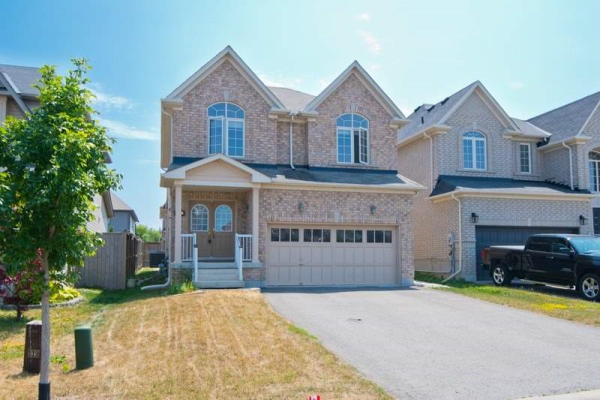 7 Kimble Ave, Clarington