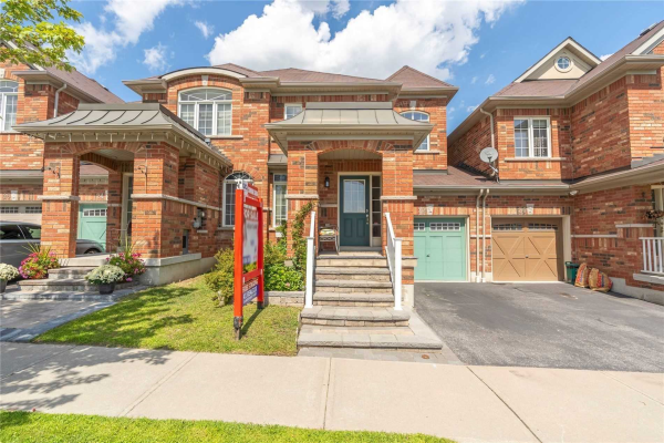 22 Elliott Glen Dr, Ajax