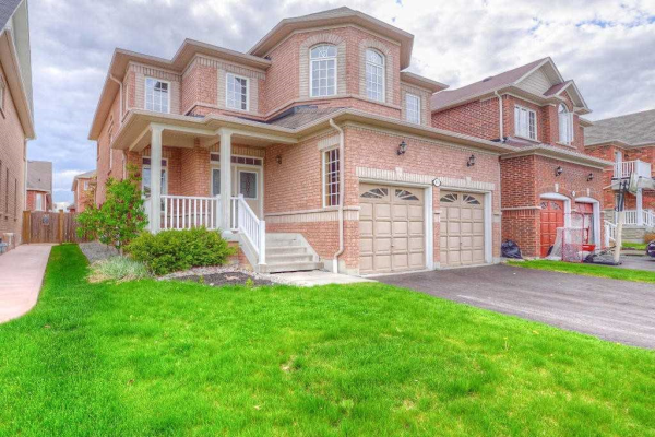 87 Rockland Cres, Whitby