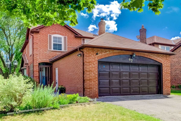 47 Ravenscroft Rd, Ajax