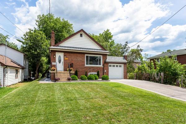 753 Morrish Rd, Toronto