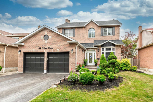 54 Flint Cres, Whitby