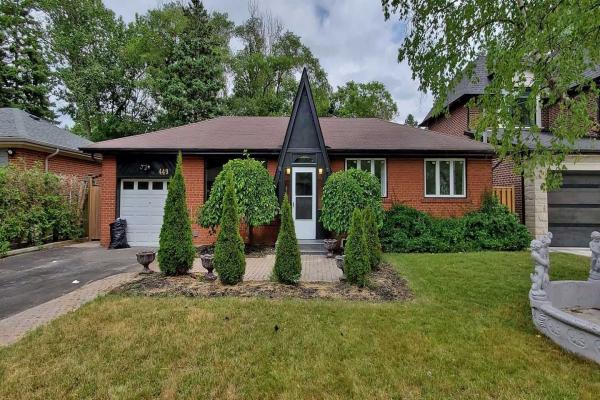 449 Brownfield Gdns, Toronto