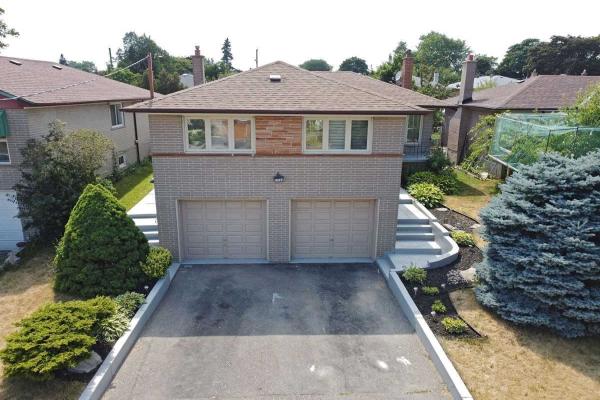116 Allanford Rd, Toronto