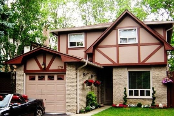 570 Stonebridge Lane, Pickering