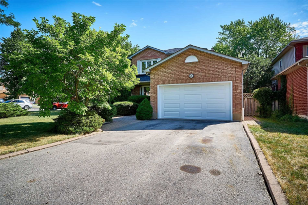 25 Stafford Cres, Whitby
