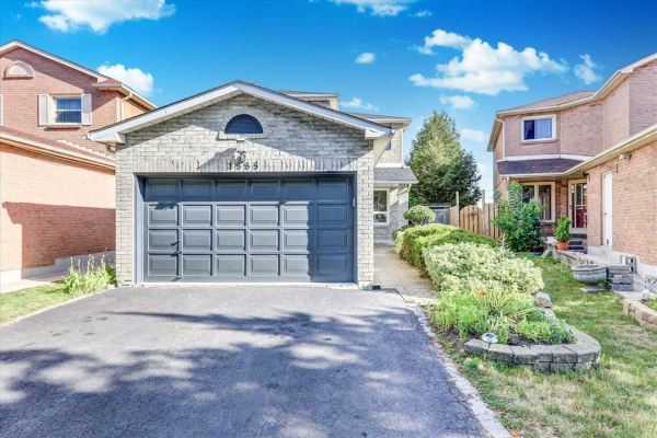 1885 Larksmere Crt, Pickering