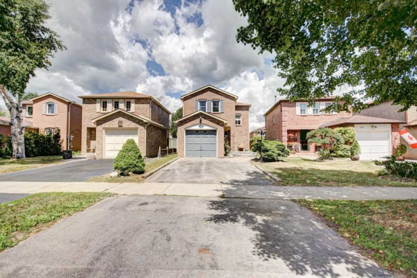 159 Delaney Dr, Ajax