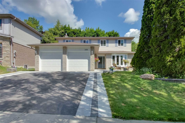 553 Creekview Circ, Pickering