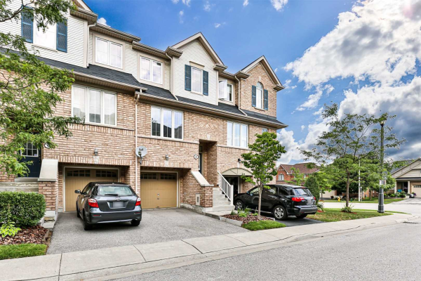 4 Martinworth Lane, Ajax