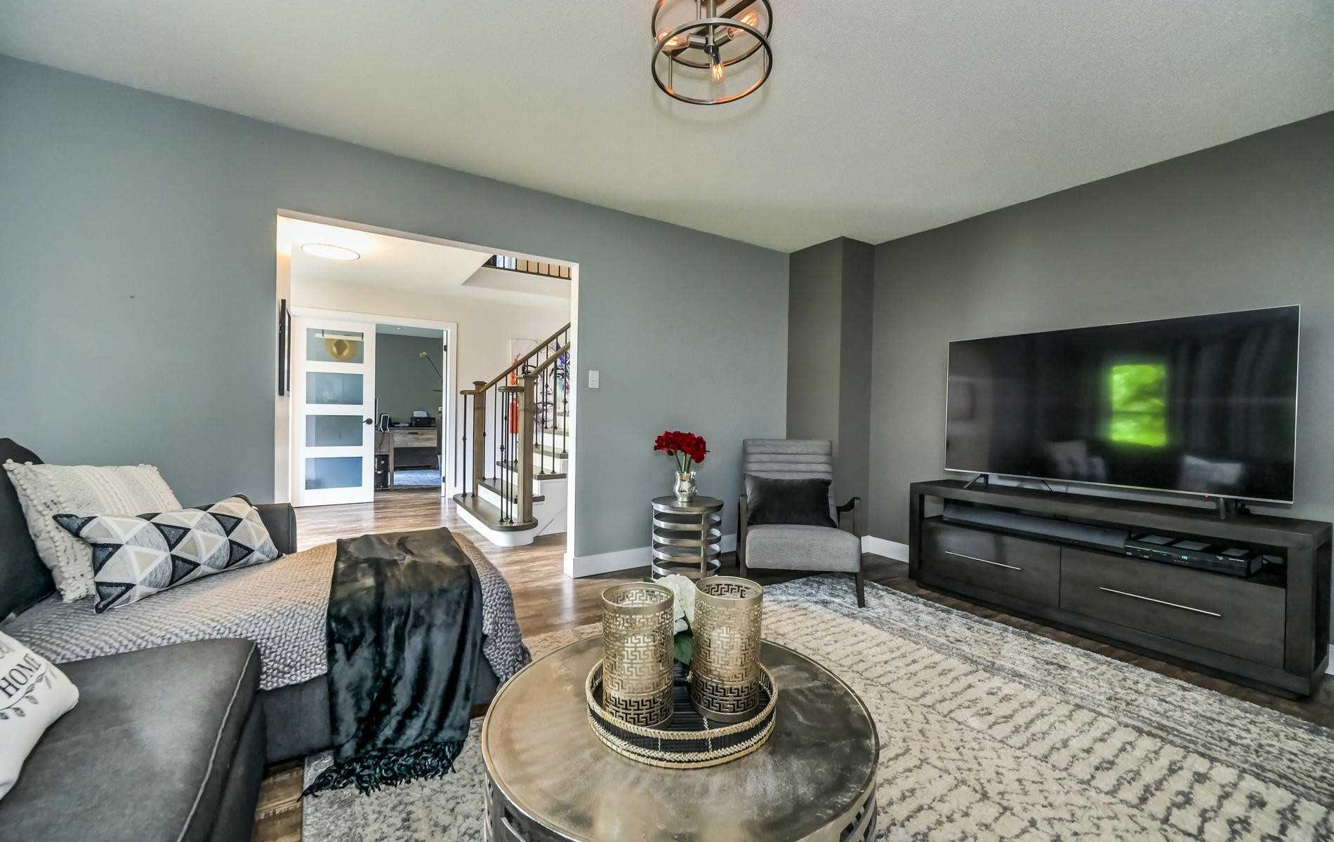 8 Montrose Cres, Whitby