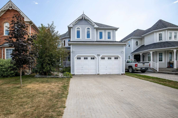 39 Wells Cres, Whitby