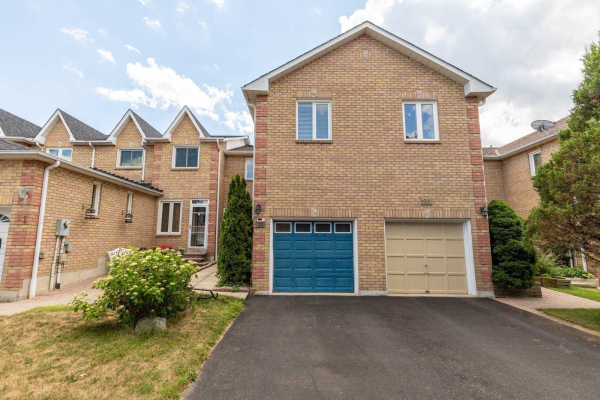 33 Farmers Ave, Ajax