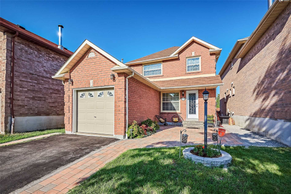 212 Ravenscroft Rd, Ajax