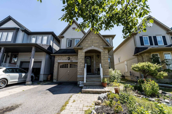 92 Haverhill Cres, Whitby