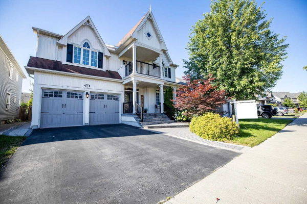 27 Brough Crt, Clarington