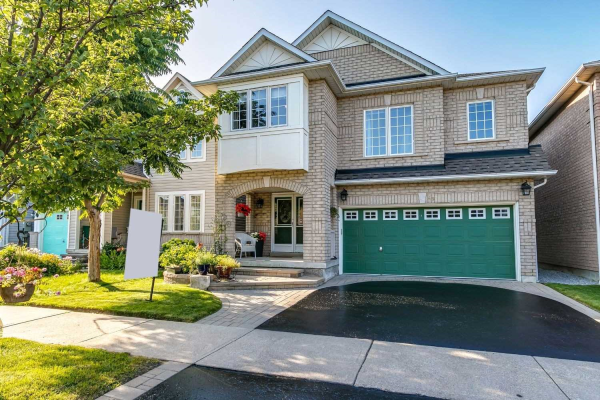 49 Woolf Cres, Ajax