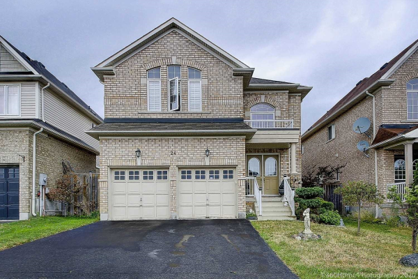 24 Kimble Ave, Clarington