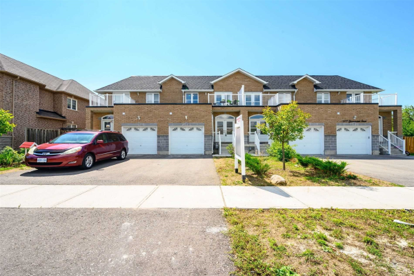 1563 Greenmount St, Pickering