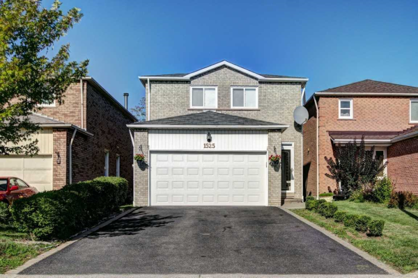 1525 Beechlawn Dr, Pickering