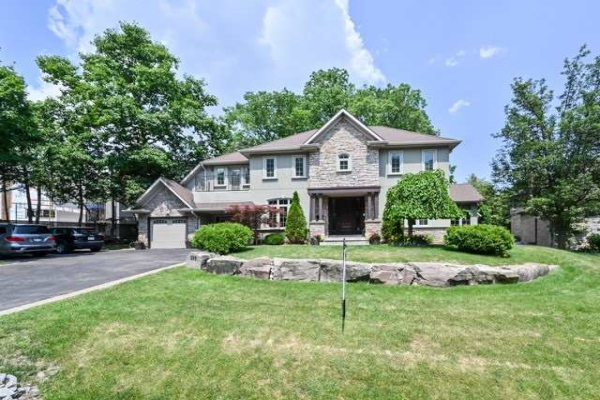 509 Rougemount Dr, Pickering