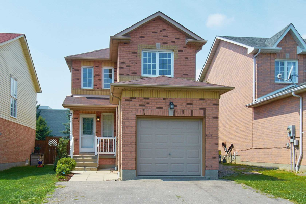 2 Fothergill Crt, Whitby