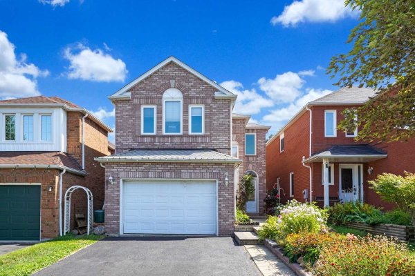 74 Booth Cres, Ajax