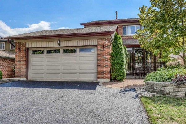 37 Carter Cres, Whitby
