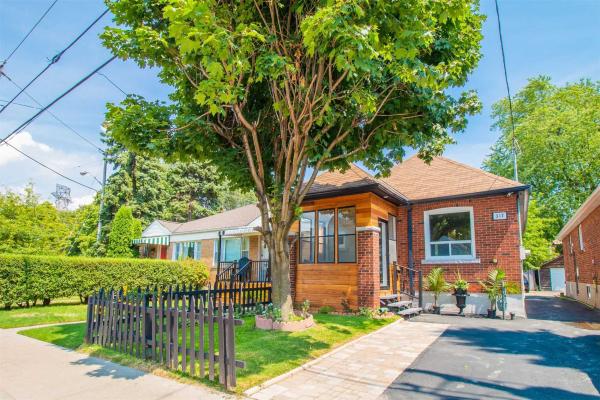 317 Chisholm Ave, Toronto