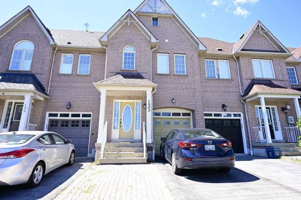 133 Stokely Cres, Whitby