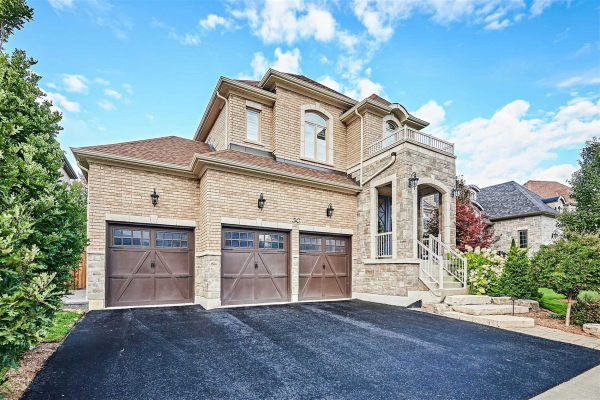 50 Coach Cres, Whitby