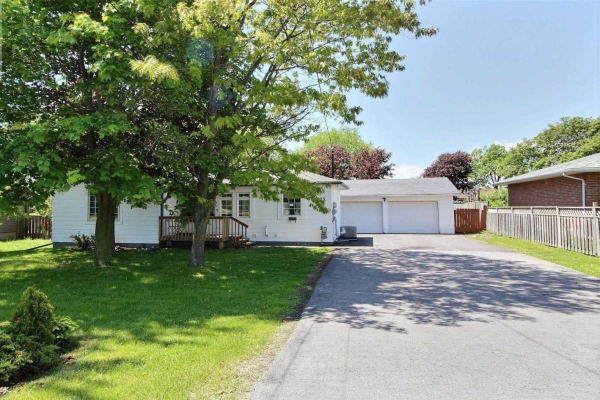 122 Thickson Rd N, Whitby