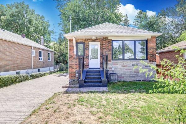 135 Glenshephard Dr, Toronto