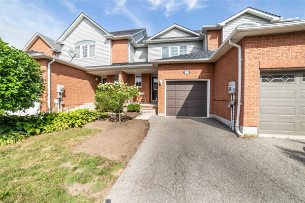 57 Richfield Sq, Clarington