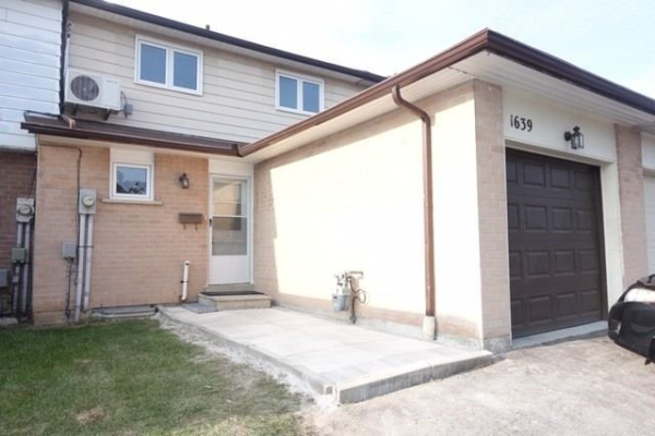 1639 Alwin Circle Circ, Pickering