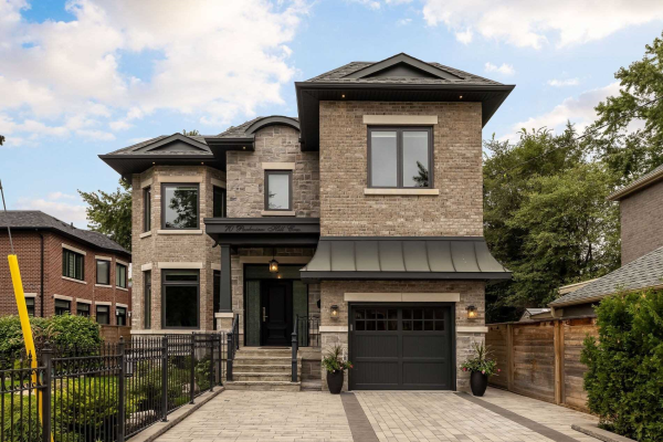 70 Parkview Hill Cres, Toronto