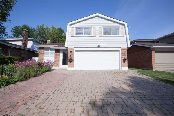 27 Silver Spruce Dr