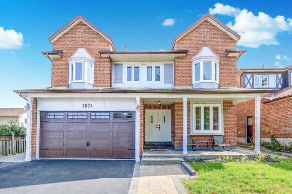 1075 Glenanna Rd, Pickering